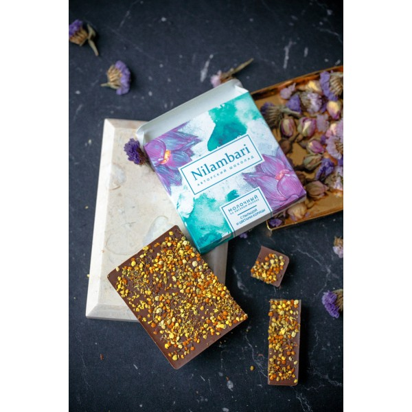 Шоколад Nilambari на овсяном молоке с пыльцой и цветами корицы, 65 г