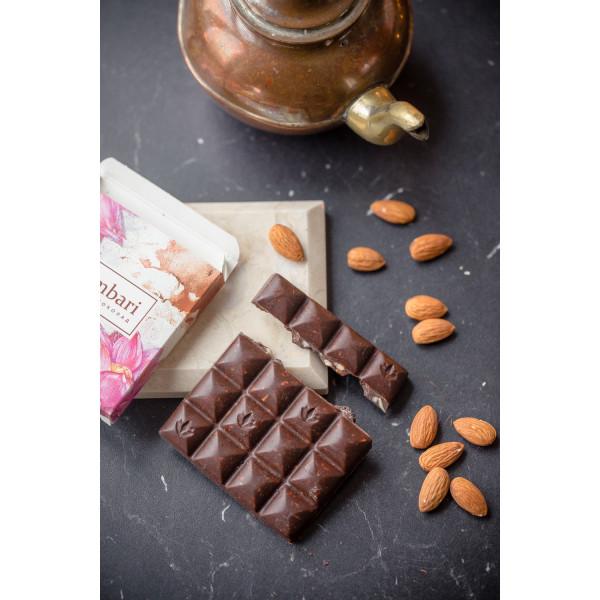 Шоколад Nilambari горький без сахара с миндалем и изюмом, 65 г